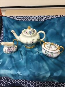 Spode Chinese Rose teapot, milk jug and sugar bowl-excellent condition
