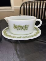 Pyrex Crazy Daisy Gravy Boat and Saucer
