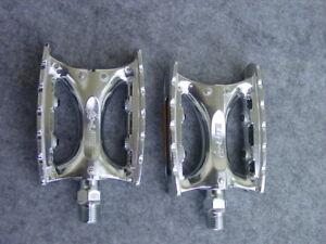 MKS IC Lite Tourenpedal Aluminium 9/16 silber