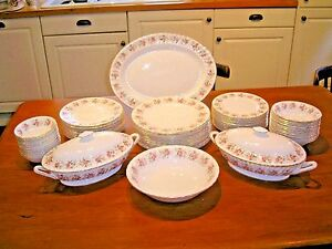 STUNNING Minton SPRING BOUQUET 61 piece DINNER  SET/SERVICE for 10 plus EXTRAS