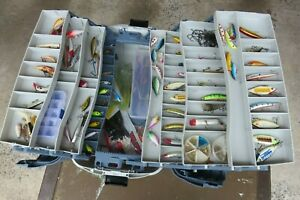 Flambeau Hip Roof 7 Tray Box 2059 with many Freshwater lures Great Condition