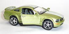 Nouveau: 2006 Ford Mustang GT vert Modèle de collection 1:38 Environ 12,5 cm article neuf V. Kinsmart