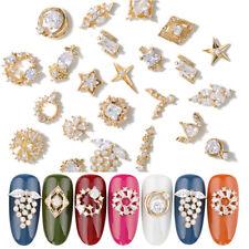 2 Pcs / Pack Hollow Gold 3D Metal Nail Art Rhinestones Bling Crystals Decoration
