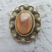 VINTAGE Faux Agate Scarf Ring Clip Oval Pretty Scalloped Plastic Stone Marbled