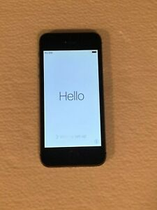 Apple iPhone 5s - 16GB - Space Gray (Unlocked) A1533