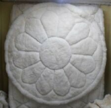 Alpaca Fur Rug. 6 ft Diam. White Flower Design. Soft Rug. Art & Decor.
