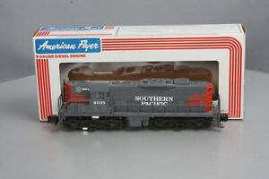 American Flyer 6-48000 S Scale Southern Pacific GP-9 Powered Diesel Locomotive