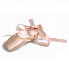 Zapatos de baile de ballet señalaron los zapatos elegantes en color rosado