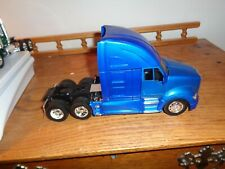 1/32 NEW RAY DIECAST & PLASTIC KENWORTH T-700 ST, WITH NO PACKAGING #  683
