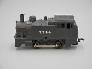 Tri-ang #R852T 0-4-0 'Continental' Tank Locomotive (As-Is)