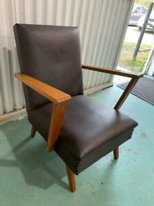 H41036 Vintage Retro Timber and Vinyl Armchair Chair