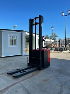 Tider Electric Pallet Stacker Euro Forklift 1000kg Capacity With Curtis Control