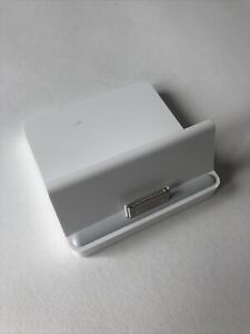 Apple Docking Station For Apple iPad 2 & 3 Products: A1352 1015-04