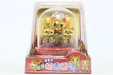 BRAND NEW JAPANESE SOLAR DOLL / 3 Good Fortune Gold Cats, Manekineko-san / B168