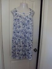 Croft and Barrow white with Blue Floral print nightgown size 2X Sleeveless