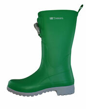 Flat (0 to 1/2 in.) Medium (B, M) Rubber Boots for Women