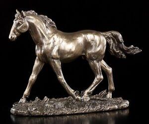 Pferde Figur - Pferd auf Weide - bronziert - Dekofigur Deko Statue - Veronese