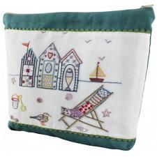 Quand La Mer S'en Mele -  Les Cabanes - Embroidery Kit  by Un Chat Dans L'aiguil