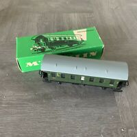 Marklin #4002 HO Scale 1950s 2nd Class 2 Axle Passenger Car Boxed