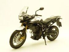 MOTO TRIUMPH TIGER 800 blanc 1/18