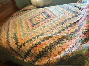 Vintage 1930s-1940s Homemade Hand Pieced & Quilted Patchwork Feedsack Quilt