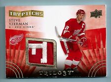 STEVE YZERMAN 2014/15 TRILOGY TRYPTICHS 2 COLOR LOGO PATCH /400 RED WINGS