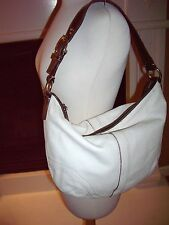 MEDIUM SIZE WHITE COACH LEATHER PURSE SHOULDER BAG – Good used condition.  It me