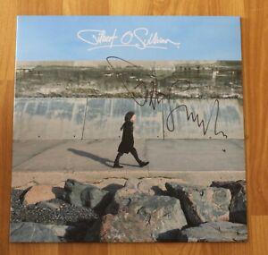 """ORIGINAL Autogramm von Gilbert O`Sullivan auf VINYL 12"""". """"GILBERT O`SULLIVAN""""."""