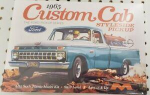 Moebius Models 1/25 1965 Ford Custom Cab Styleside Pickup Model Kit #1234 NEW