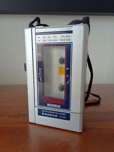 Sanyo M-G30 AM/FM Cassette Player - Portable, Personal walkman Used in GC