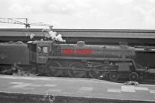PHOTO  BR STANDARD CLASS 4 LOCO NO 75066 AT  READING 1963