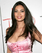 TERA PATRICK VERY BUSTY COLOR 8X10 PHOTO