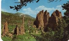 postcard USA  Colorado vista of the garden of the gods  Pikes Peak  unposted