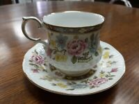 Vintage Rosina bone china teacup/saucer overall good condition flowers and gilt