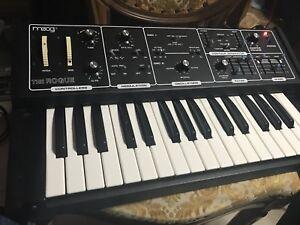 Moog The Rogue Analogue  Synthesizer Sintetizzatore Analogico  (moog prodigy)