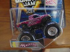 MADUSA New Look 2017 Hot Wheels  Monster Jam Truck   with Team Flag