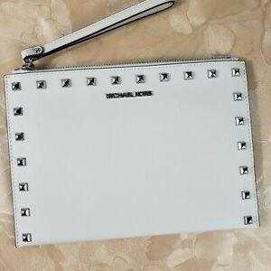 Michael Kors Jet Set Travel XL Zip Clutch Wristlet Leather Wallet Purse op white