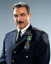 "Tom Selleck In The Cbs Tv Series ""Blue Bloods"" - 8X10 Publicity Photo (Fb-803)"
