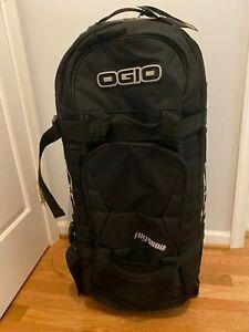 NWT OGIO Rig 9800 Travel Bag - Black