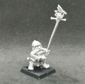 Imperial Dwarf Prince Ulther's Dragon Company Standard Bearer RRD6 Metal 1987