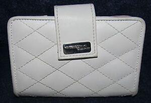 Nintendo DS White with Red Interior Wallet Storage Case