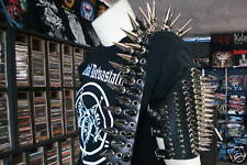 LEATHER SPIKED GUITAR STRAP.(MDLS0056)..... SUFFOCATION
