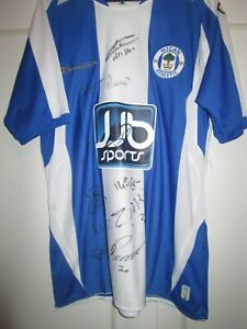 Wigan Athletic 2008-2009 Squad Signed Home Football Shirt with COA /31277