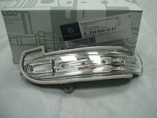 Genuine Mercedes-Benz W203 C-Class RH Mirror Repeater Indicator Lamp A2038201621