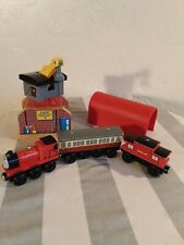 5 pieces -Thomas Sodor Shipping Crane, Tunnel, Engine, Caboose, passenger car