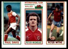 Topps Football 1981 Blue 9. Davis / 180. Nicholas (Wales) / 18. Withe
