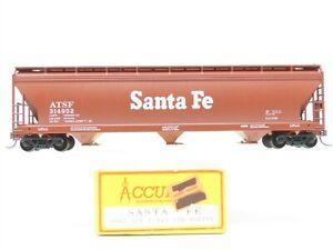 HO Scale Accurail 2002 ATSF Santa Fe ACF 3-Bay Centerflow Covered Hopper #314952