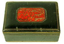 ÉTUI EN CUIR AVEC  PLAQUE EN LAQUE CHINE. CHINE-ANGLETERRE. XVIII-XIX.