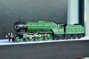 Nu-Cast LNER Class V2 2-6-2 Steam Engine Handmade
