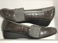 """Ros Hommerson """"Erica""""  Grey Croc Patent Wedge Heel  Wo's Size 8 SS (narrow)"""